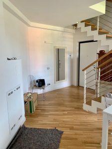 casa imbiancata, parquet a terra, scala imbiancatura ambiente appartamento
